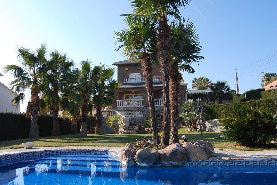 Испания внж при покупке недвижимости 500